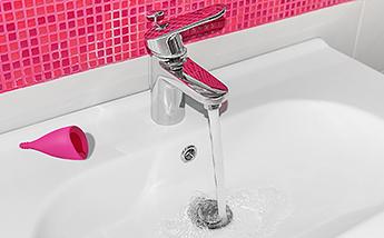 Cómo limpiar tu copa menstrual en un baño público en 3 pasos
